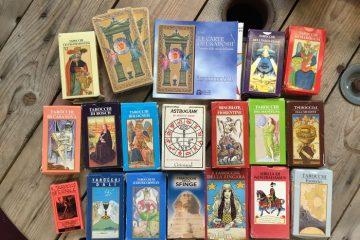 Hogyan válasszunk Tarot kártyát magunknak? Hasznos tanácsok kezdőknek